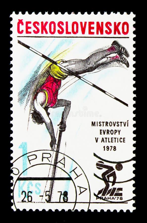 Прыжок с шестом, европейское атлетическое serie чемпионатов, около 1978 стоковое фото rf