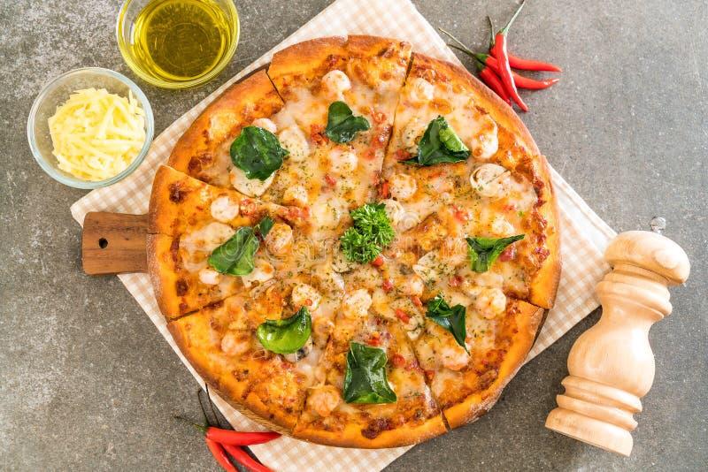 пряная пицца креветки (Тома Yum) стоковые изображения