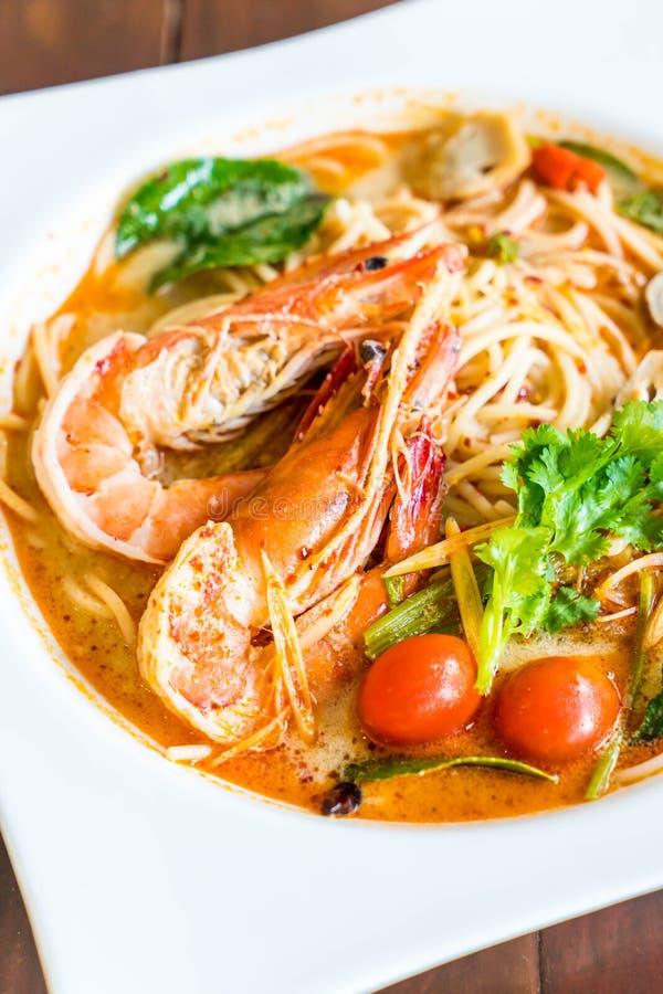 пряные спагетти с креветкой (kung Tom yum стоковая фотография rf