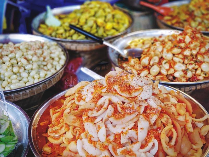Пряные традиционные тайские сладостные и кислые заквашенные плодоовощи стоковое изображение rf