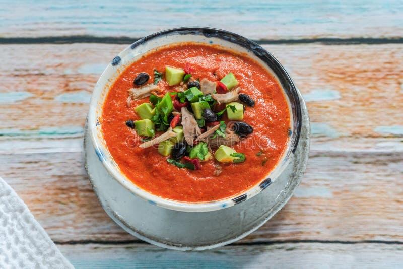 Пряный мексиканский суп жареного цыпленка и томата с черными фасолями стоковое фото