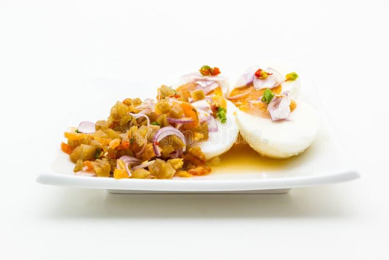 Пряный посоленный салат яичка утки. стоковые фото