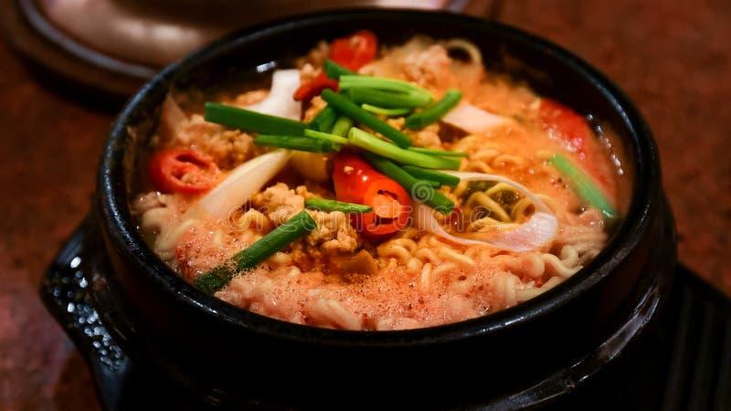 Пряный суп в горячем баке стоковые фото