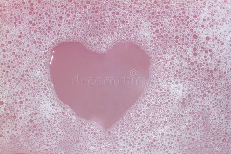 Пузыри сердца форменные Конспект, пена клокочет белая предпосылка детержентно стоковое изображение rf