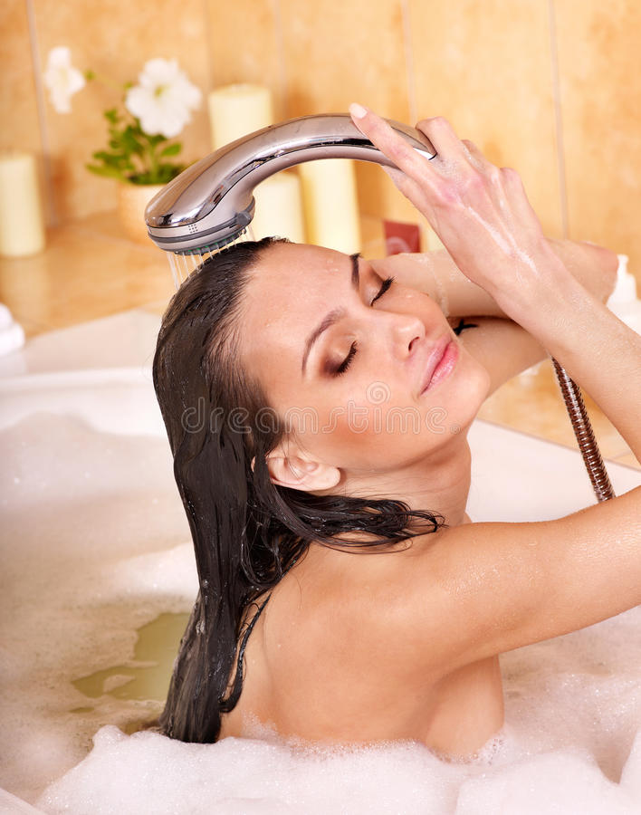 как правильно мыться в ванне женщинам видео - 4