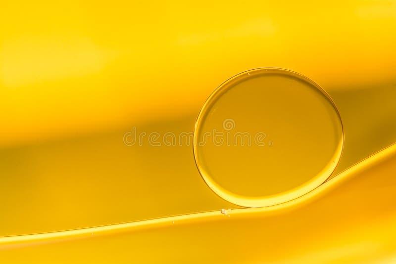 Пузырь масла в предпосылке абстрактного искусства воды стоковые фотографии rf
