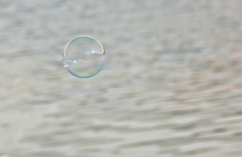Пузырь мыла в воздухе стоковое фото rf
