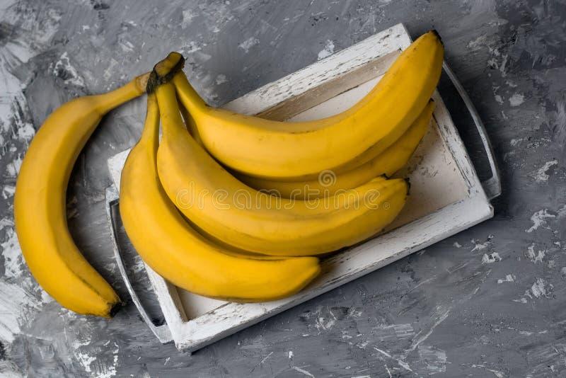 пук банана взгляд сверху стоковые фото