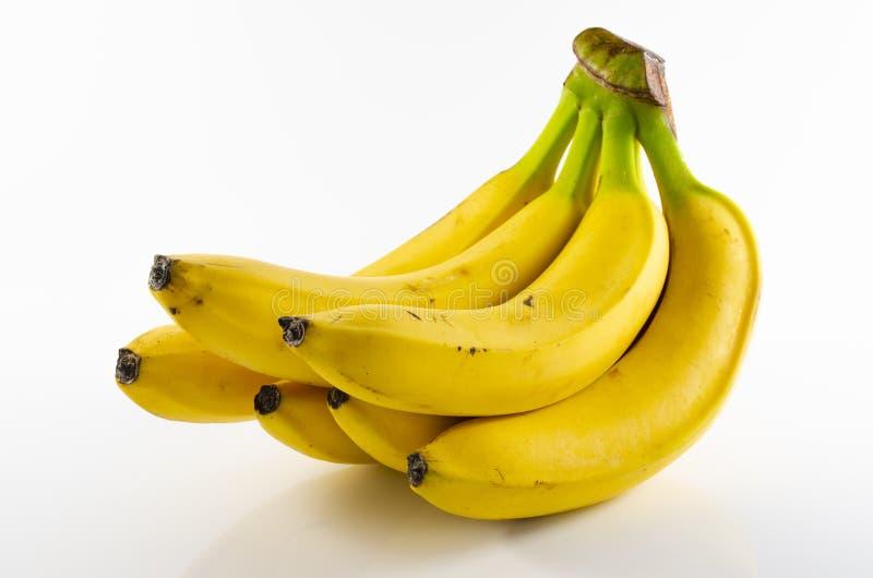 Пук зрелых желтых свежих бананов стоковое фото