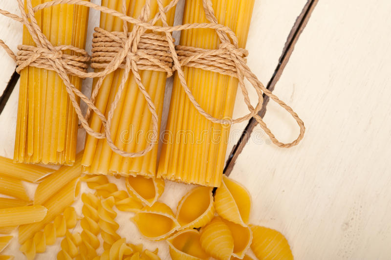Пук итальянского типа макаронных изделий стоковое фото
