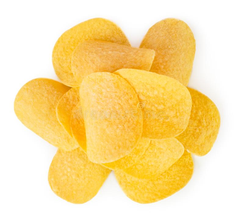 Пук картофельных чипсов на белизне r стоковая фотография