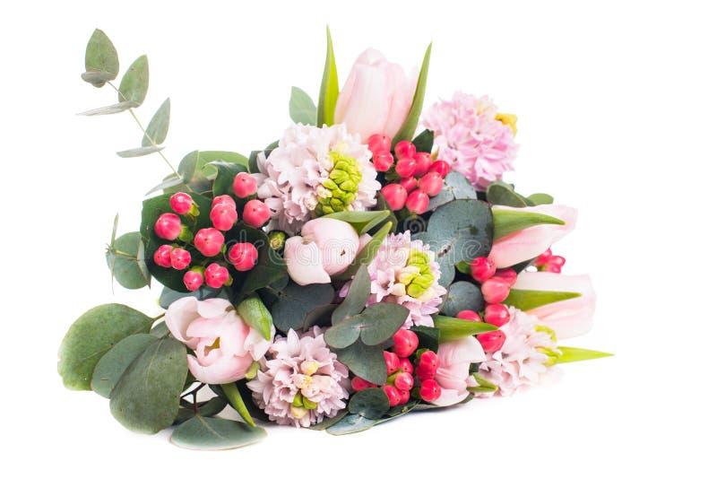 Пук розовых гиацинтов и тюльпаны, праздничный букет весны fl стоковая фотография