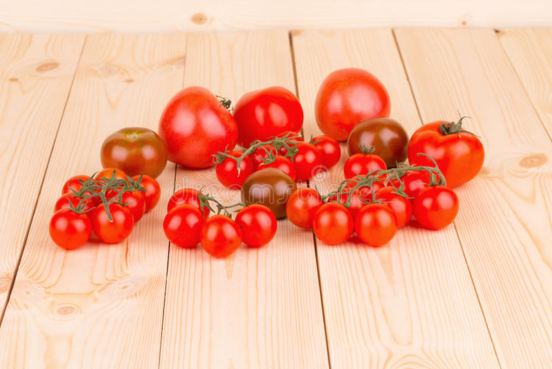 Пук свежих томатов вишни стоковое изображение rf