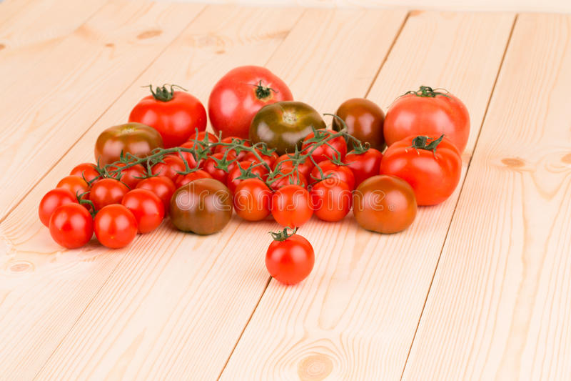 Пук свежих томатов вишни стоковое фото