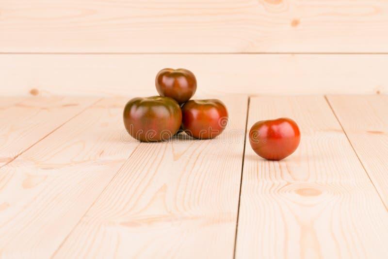 Пук свежих томатов вишни стоковая фотография