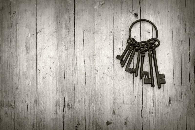 Пук старых ключей стоковая фотография rf