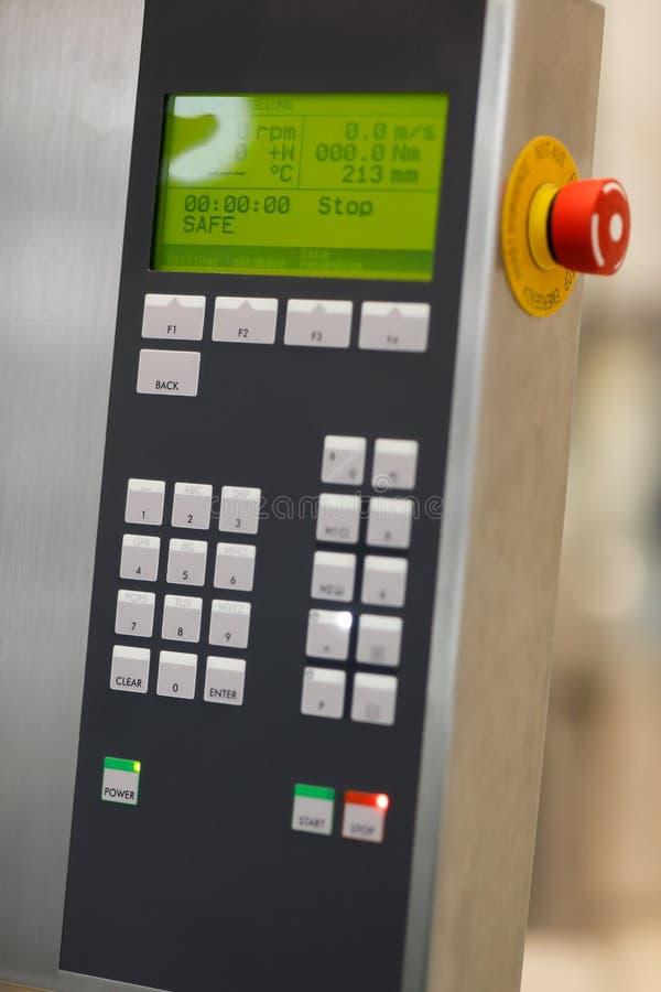 Пульт управления для современного лабораторного оборудования стоковое изображение