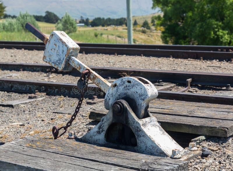 Пункты выравнивают на железнодорожном пути Новой Зеландии стоковое фото