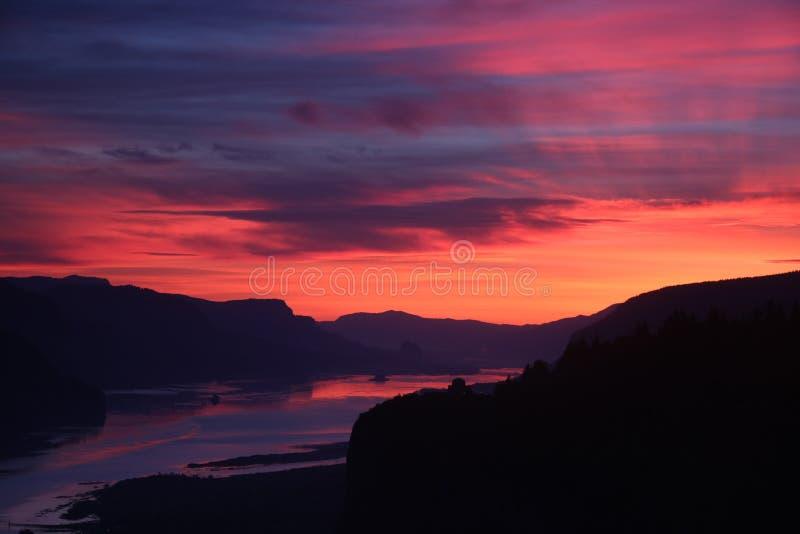 Пункт 2 кроны восхода солнца стоковое фото rf
