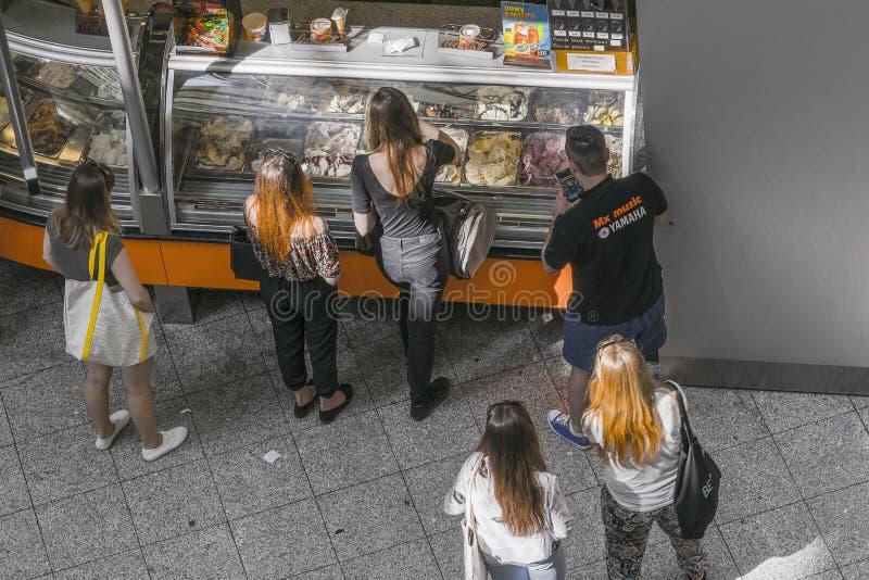 Пункт мороженого продажи стоковые изображения rf