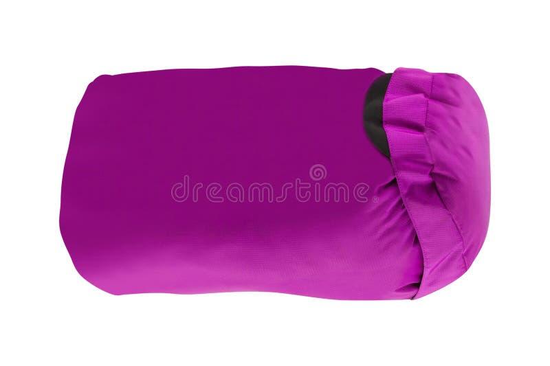 Пурпурный туристский рюкзак изолированный на белизне стоковые фотографии rf