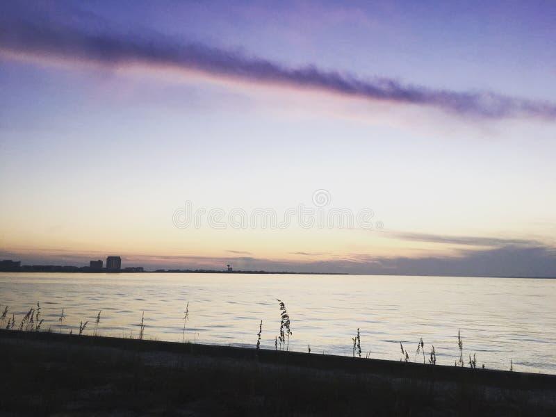 пурпуровые небеса стоковое изображение rf