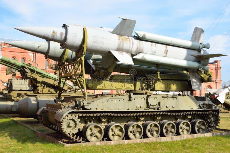 Пусковая установка 2P24 с 2 ракетами 3M8 ракеты сложного 9K11 Krug в воинском музее артиллерии стоковые изображения rf