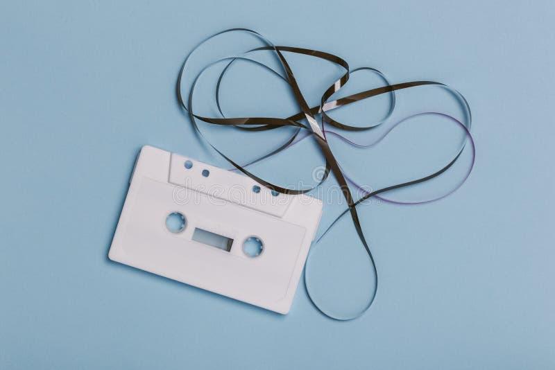Пустая белая компактная кассета стоковые изображения