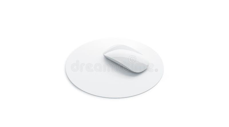 Пустая белая насмешка коврика для мыши вверх по изолированному взгляду со стороны, иллюстрация штока