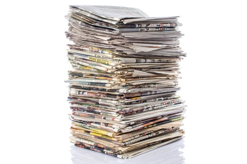 пустая белизна бумажного стога газет верхняя стоковое изображение