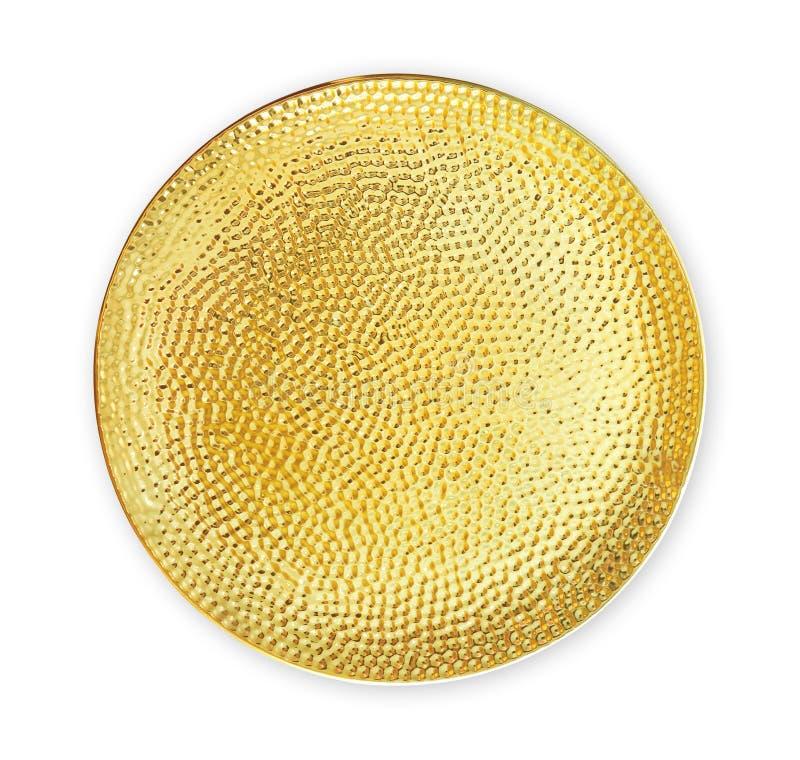 Пустая керамическая плита, золотая посуда с грубой картиной, осматривает сверху изолированный на белой предпосылке с путем клиппи стоковое фото
