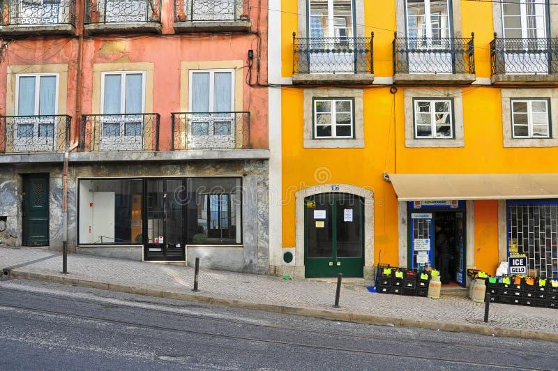 Пустая улица в Лиссабоне, Португалии стоковые фотографии rf