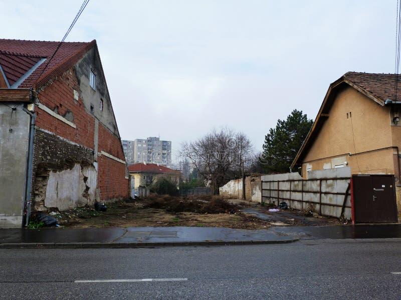 Пустое место жилищного строительства на дождливый день стоковая фотография rf