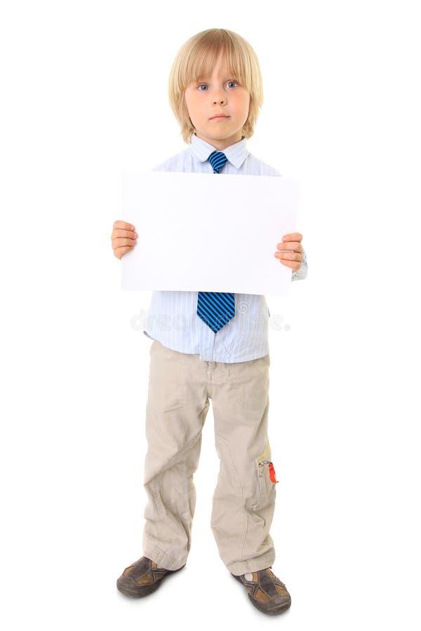 пустое удерживание ребенка над белизной знака стоковые изображения rf