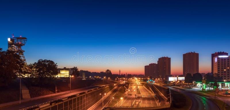 Пустое Cityhighway к ночь стоковые фото