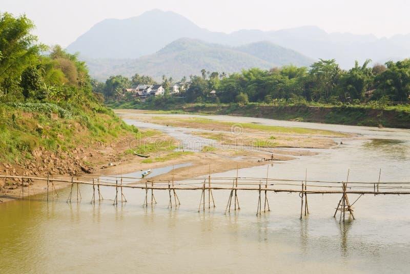 пустой бамбуковый мост, prabang luang, Лаос стоковое изображение rf