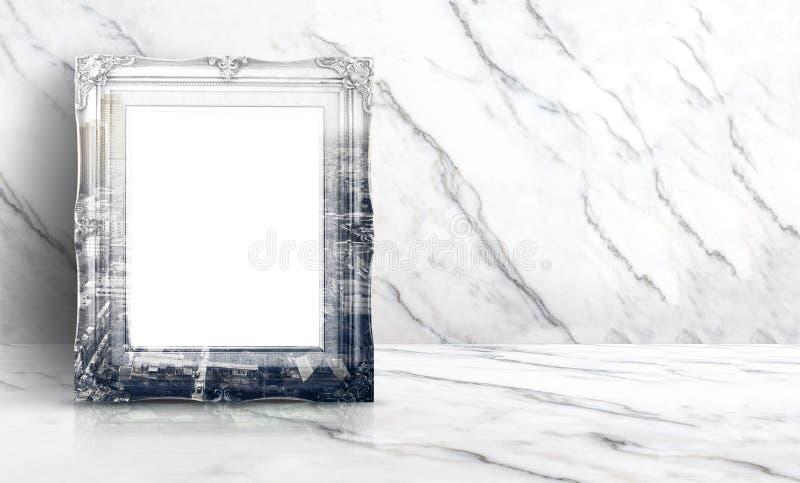 Пустой вид на город двойной экспозиции на винтажной рамке на белом очищает стоковое изображение