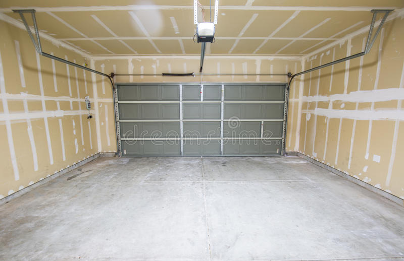 Пустой гараж стоковое фото rf