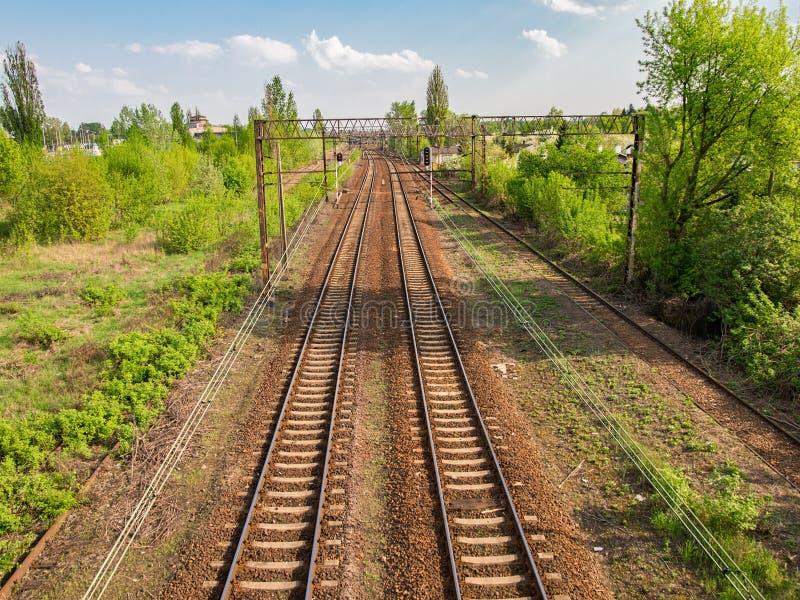 Пустой железнодорожный взгляд перспективы для транспортировать каждый день расстояния людей различные стоковые фото