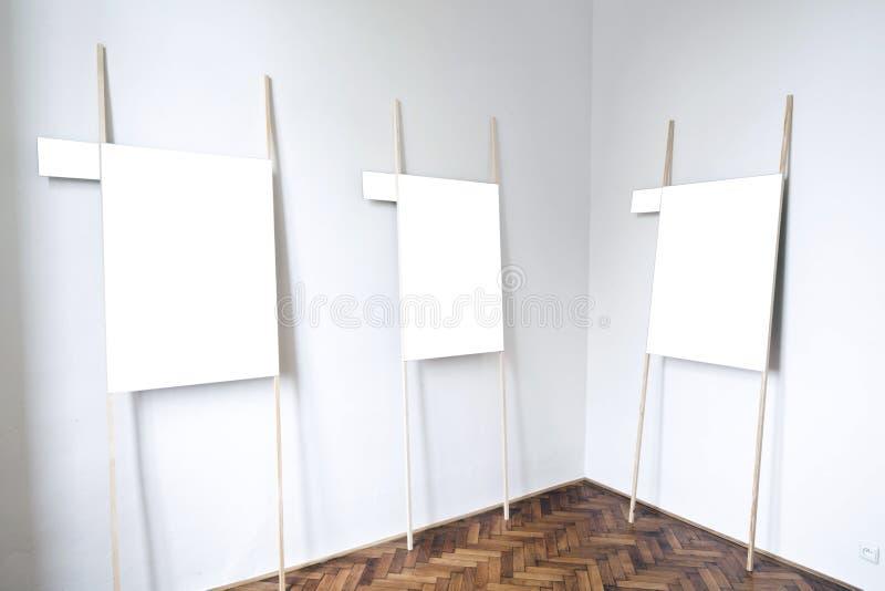 Download Пустой интерьер галереи стоковое фото. изображение насчитывающей нутряно - 37928136