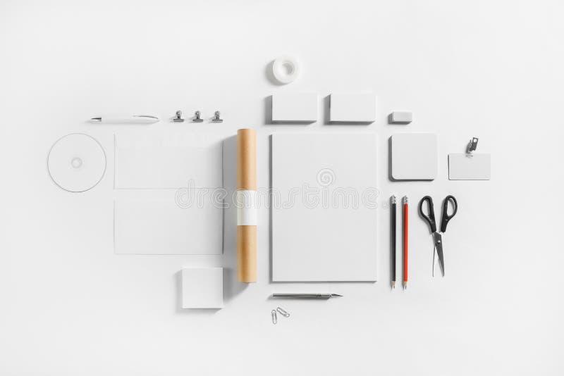 Пустой комплект канцелярских принадлежностей стоковое изображение