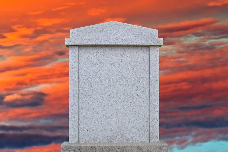 Пустой могильный камень стоковое изображение rf