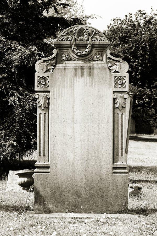 Пустой надгробный камень стоковая фотография