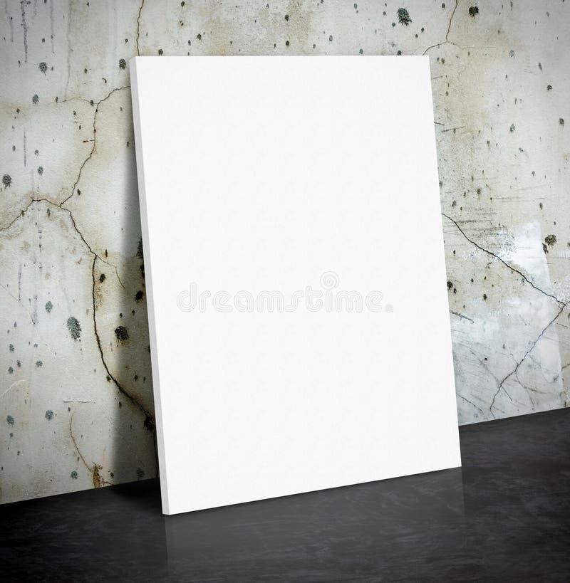 Пустой плакат белой бумаги на великолепной бетонной стене и черном ce стоковая фотография rf