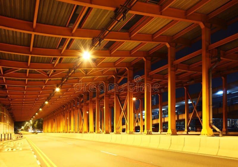 Download Пустой тоннель стоковое фото. изображение насчитывающей сталь - 33737666