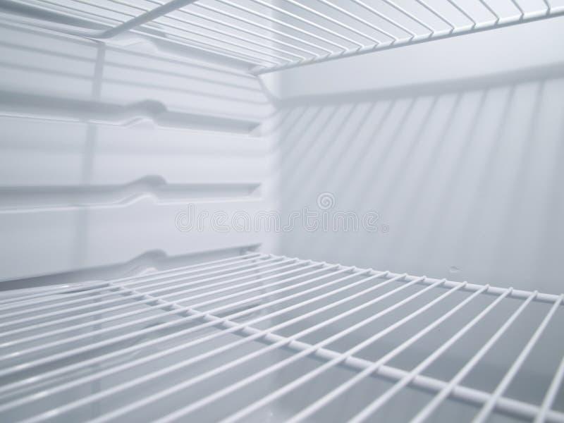пустой холодильник внутрь стоковая фотография rf