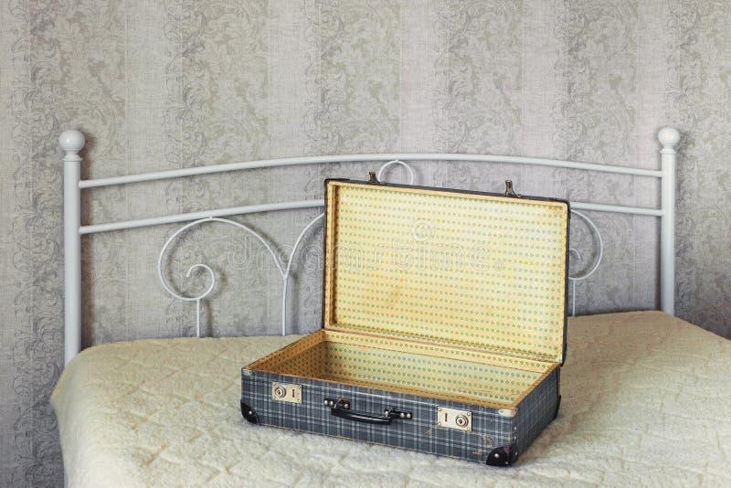 Пустой чемодан стоковая фотография rf