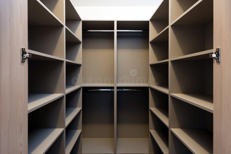 Пустой шкаф в доме стоковая фотография rf