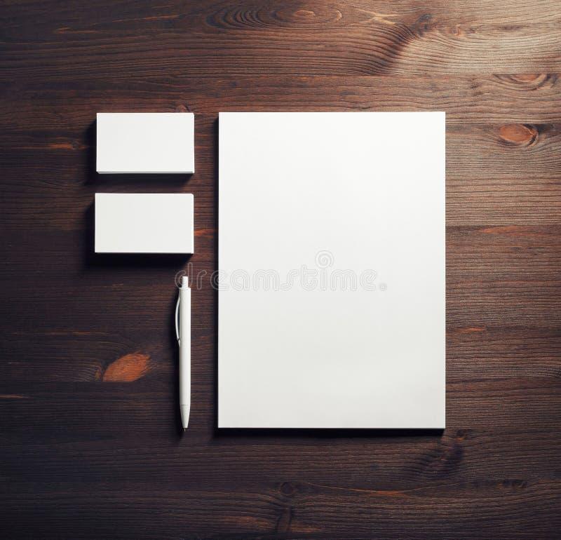 Пустые белые канцелярские принадлежности стоковая фотография rf