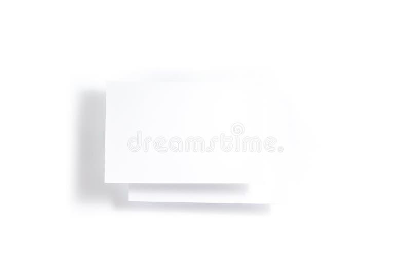 Пустые белые летчик 2 открыток/модель-макет приглашения на белой предпосылке стоковое изображение